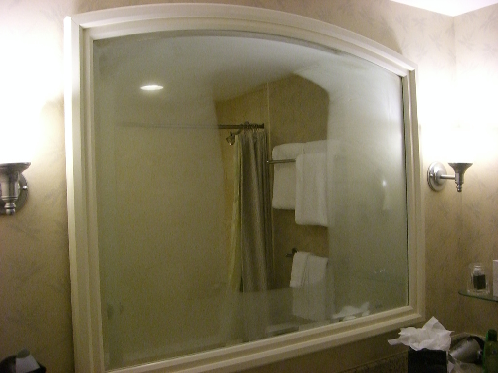 Stop your bathroom mirrors from fogging up permanently for How to clean bathroom mirror without streaks