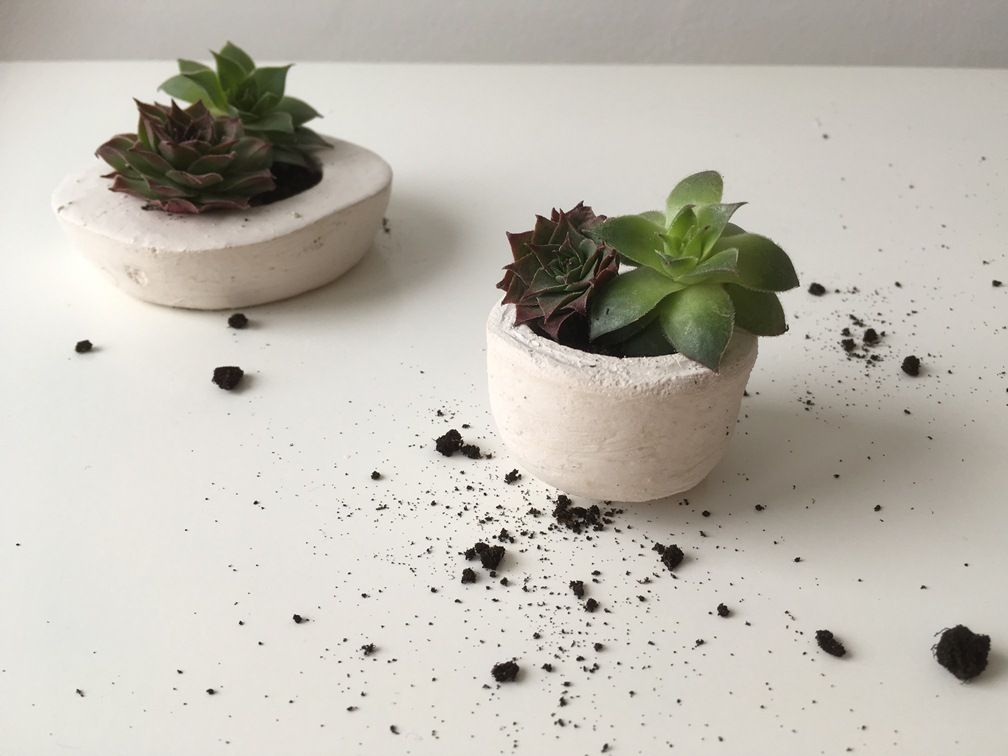 Make your own concrete planters using scrap plastic for Make your own cement