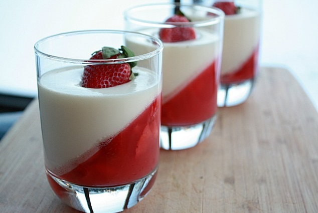 jelly and white chocolate mousse