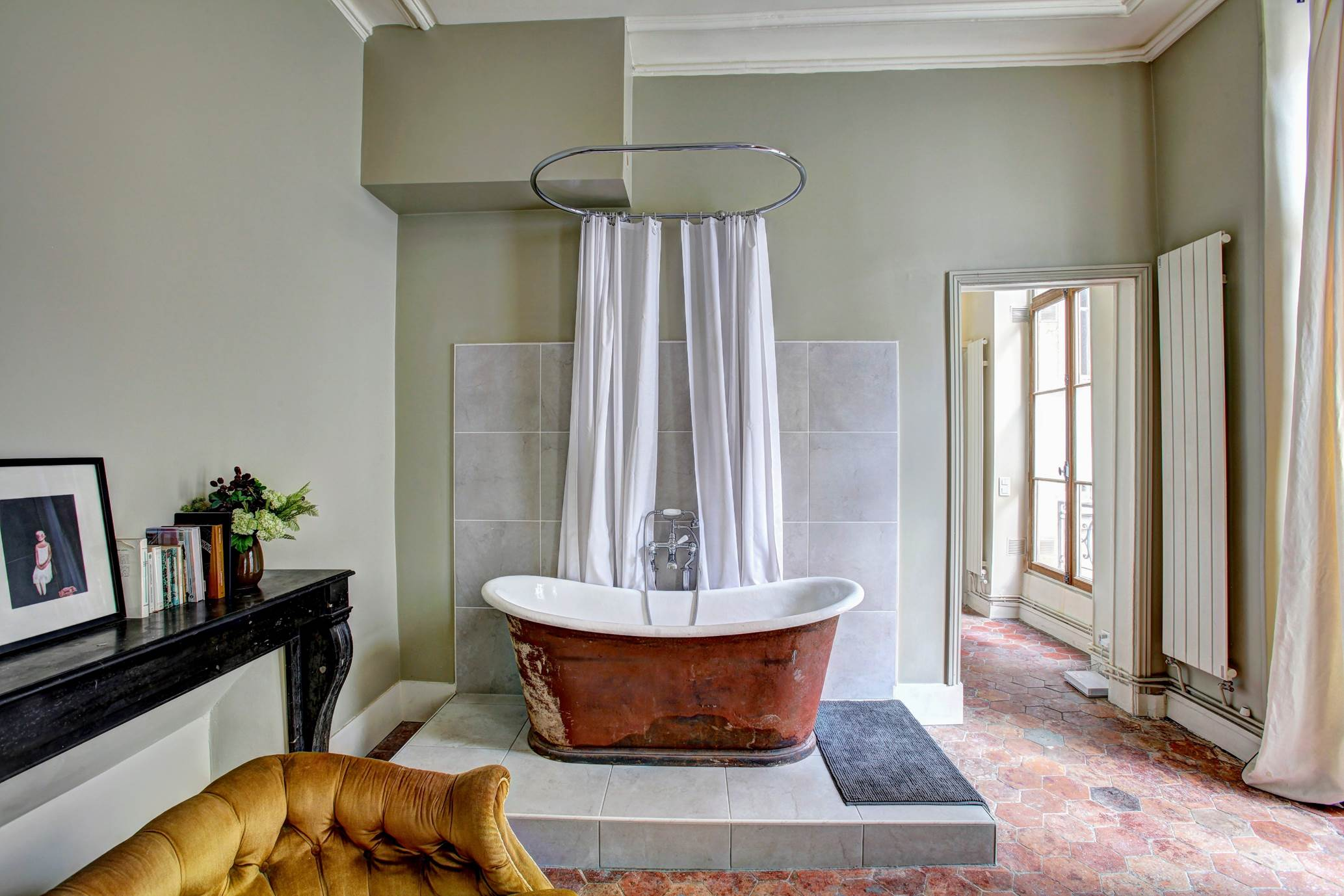 Bath and Shower Combined