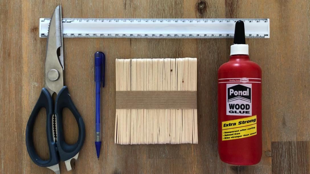What you need to make the wooden pallet coasters