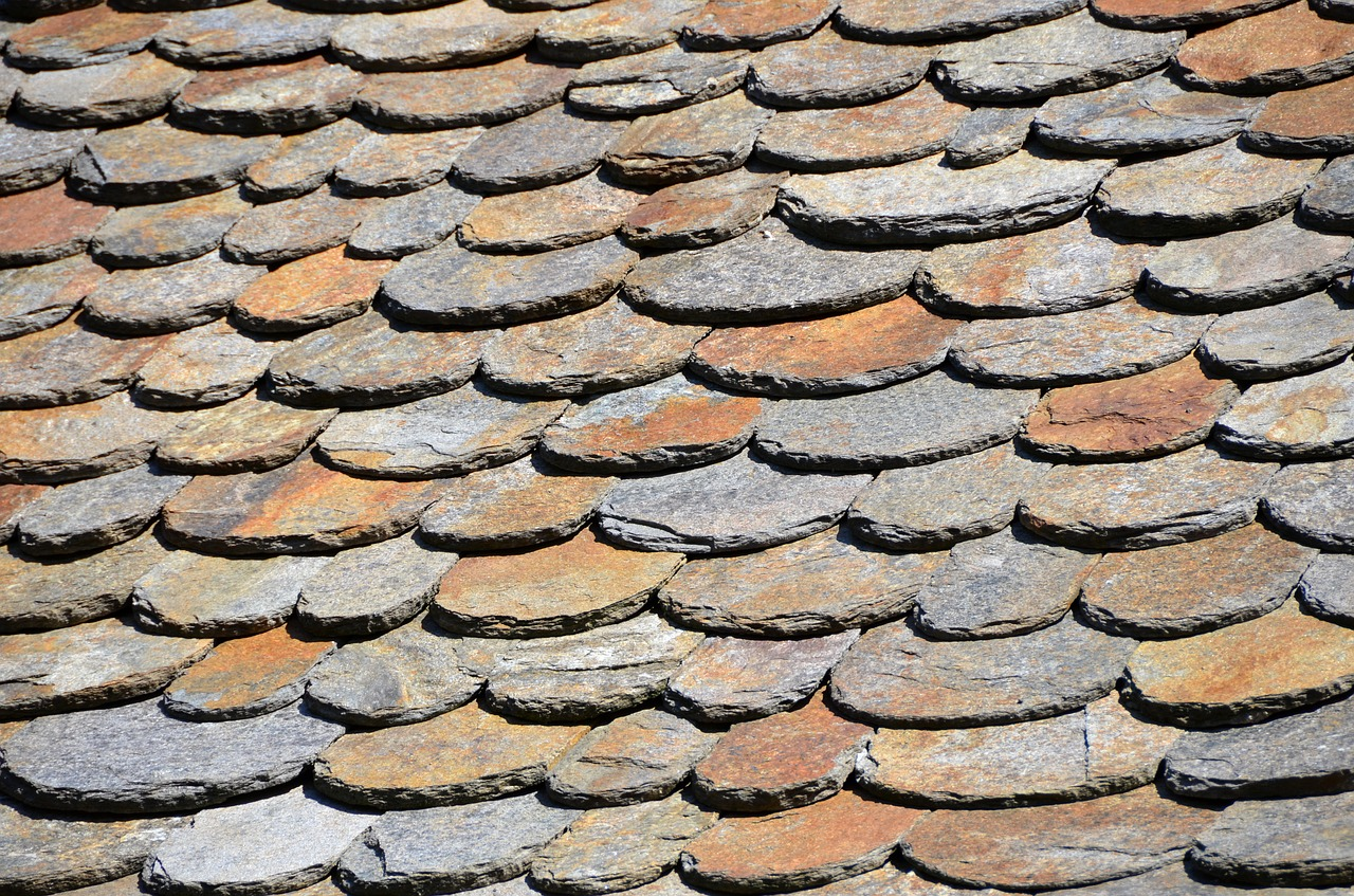 Slate Roof Tiles Can Withstand Ice and Fire