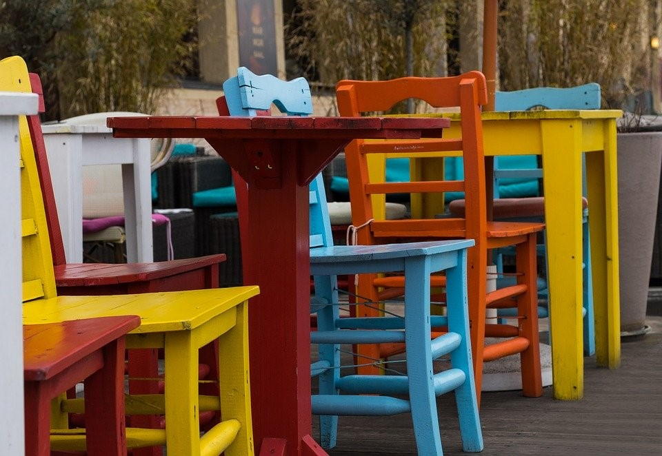 Paint Your Old Patio Furniture