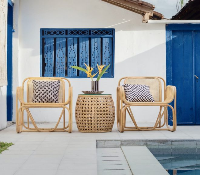 Make a Celebrity Style Lounge Area in Your Backyard