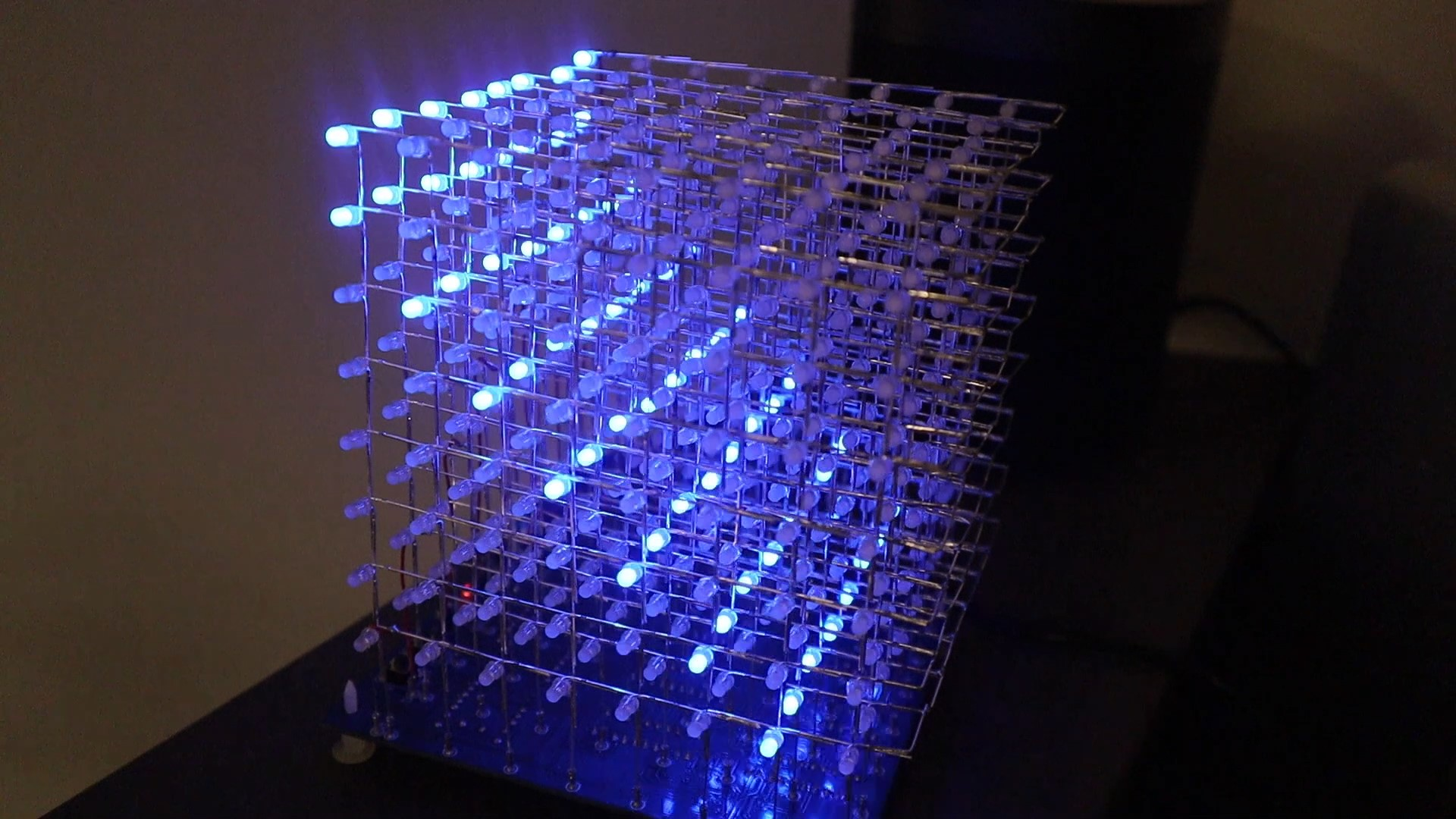 LED Cube Assembled Flashing