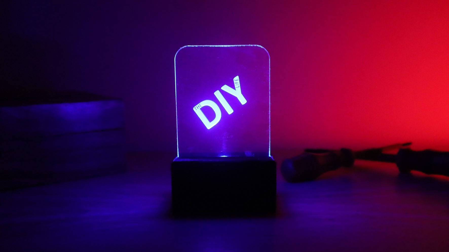Make Your Own Light-Up Acrylic Signs For under $5