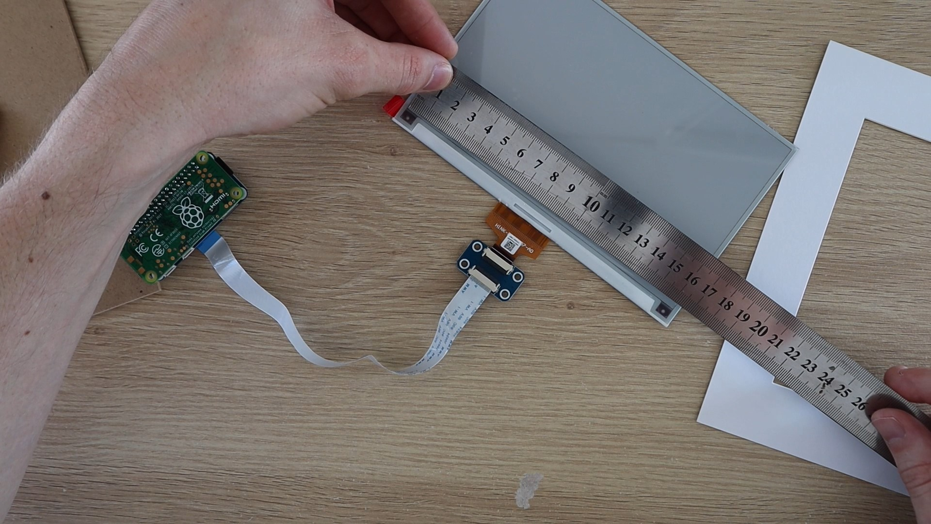 Measure The E-Paper Display To Cut The Card Bigger