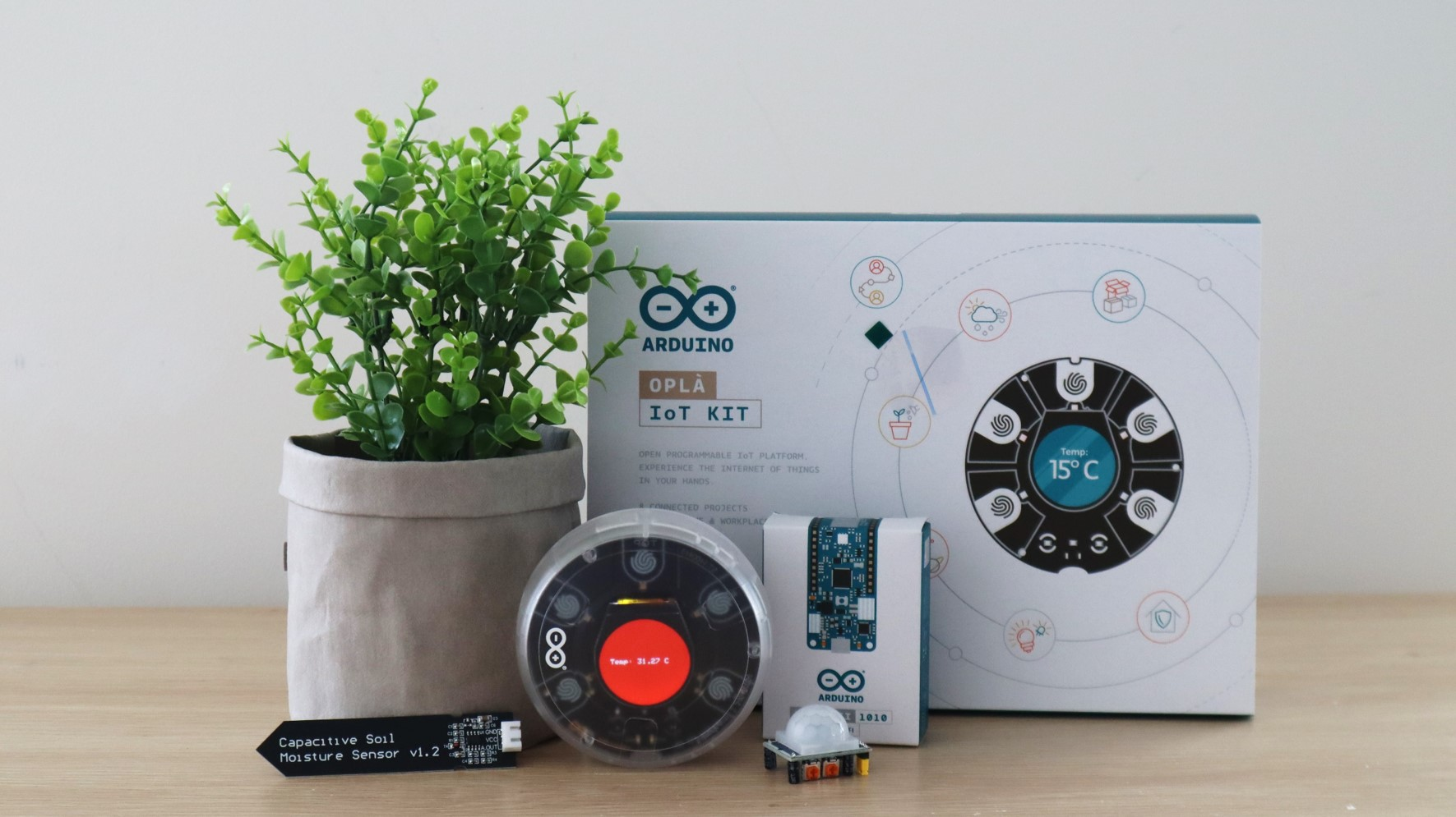 Arduino Opla IoT Kit Unboxing and First Impressions