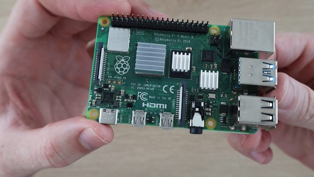 Stick Your Heatsinks Onto The Raspberry Pi