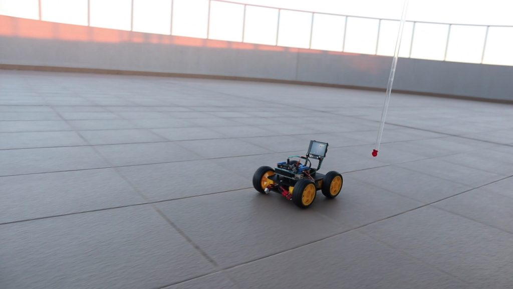 Robot Car Following Object Being Tracked Using Huskylens