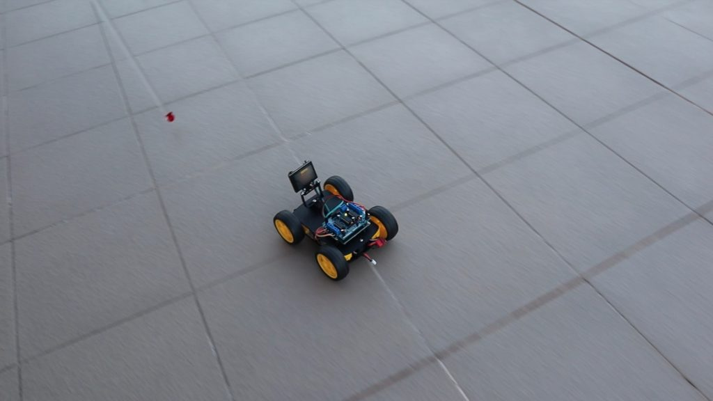 Robot Car Tracking Object